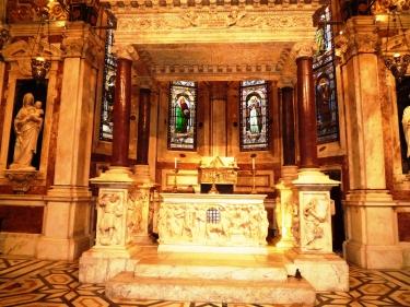arca di san Giovanni Battista Chiesa di san Lorenzo secolo XV