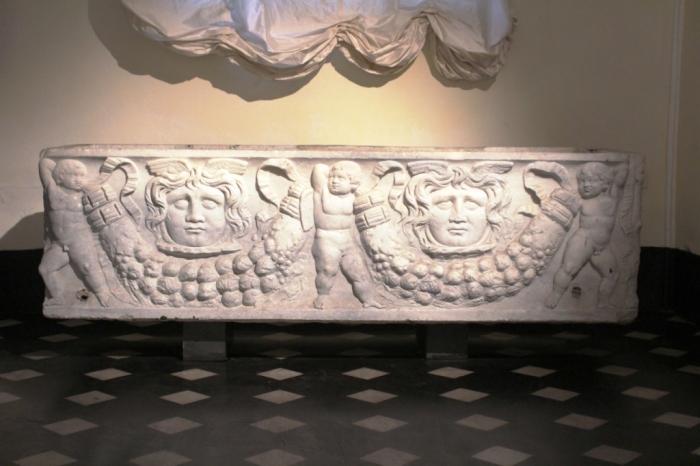 sarcofago romano del IV secolo