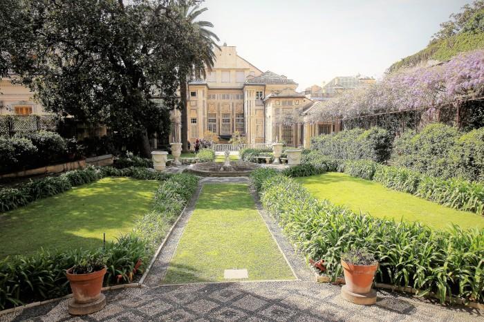 vista del palazzo dal giardino pensile