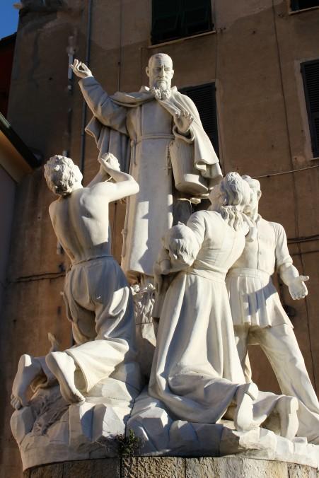 monumento a padre santo piazza delle grazie_InPixio